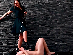 Masked sub sub man predominated by a beautiful mistress