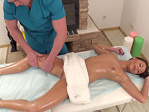 Linda Starlet knew that she'll receive more than just a rubdown