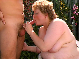 Chubby first-timer chick masturbates and gets rewarded with a nice dick