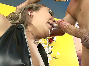 Raunchy blonde bombshell has her cock-squeezing asshole drilled hard