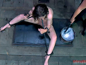 Lady with glasses gets involved in an amazing ache session