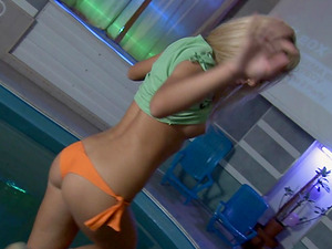 Delicious blonde getting naked and fingerblasting her smoothly-shaven snatch