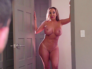 Horny honies Richelle Ryan and Cassidy Banks make a hot man's dick hard