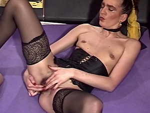 Dark-haired Mummy Sexy Stockings Caboose Fingerblasted Twat Fucked