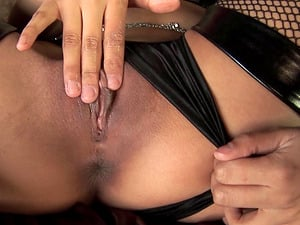 Excited Veronica Lynn boning her slimy slide with playthings