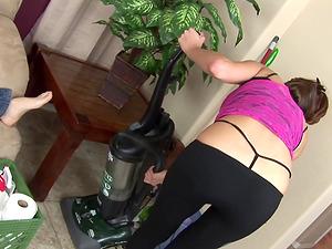 Sexy Cleaning Maid Layla Rivera