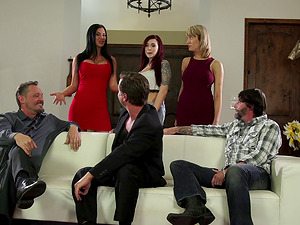 Jasmine Jae has a supreme time while being a part of an orgy