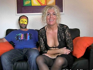 Amateurs Bruno and Maria get naked impatient to start doing it