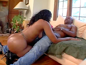 Ebony sugar Cherokee D'Ass can't get enough of a coal schlong