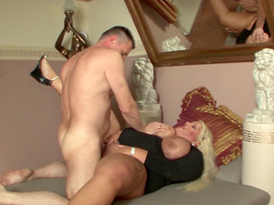 Mature sugars involved in a steamy orgy they will never forget