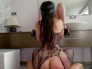 Zoe Doll and Alba de Silva seduce a guy for a hardcore threesome