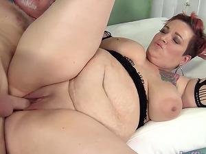 Chubby mom Selenda White takes fat cock