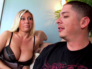 Devon Lee Wants Her Nephew to Cum On Her Tits