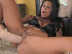 Cassandra Cruz ruins her snatch with oversized faux-cocks