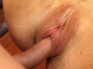 Sexy dark haired Beverly Hills deepthroats Jenner's hard man sausage
