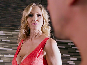 Horny mature woman Julia Ann is in need of a nice fuck
