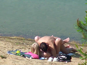 PUBLIC BEACH Suck and Fuck CAUGHT On CAMERA