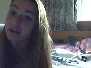 Hot amateur slut masturbates on webcam