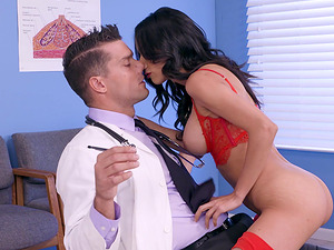Tia Cyrus seduces a handsome doctor for a great shag