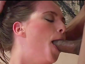 Jessica Fiorentino has a great time during a double penetration session