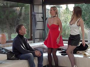 Stella Cox and Lara Onyx exploiting Rocco Siffredi's fat boner