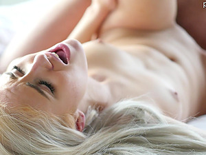 Blonde Naomi Woods finally gets to play with a stiff shaft