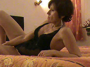 Very hot and experienced milf rides a cock and takes a creampie