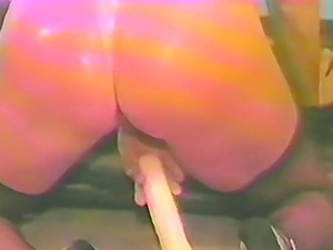 Vintage mature brunette toys her hairy pussy