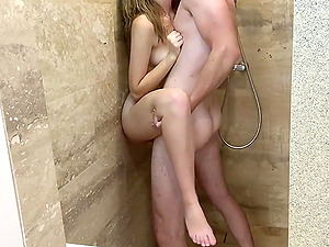 Girlfriend and me loves shower morning sex with some cum eating