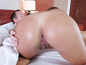 Isabella Nice likes it when a friend wakes her up with his dick