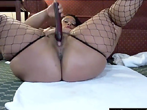 Pinky Pussy Squirts Shemale und Lesben-Sex-Videos