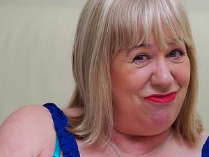 Granny Auntie Trisha loves masturbating for her audience