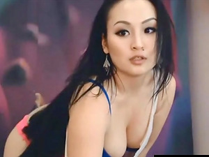 Chubby Asian Girl doing Rocking Ducks Dance