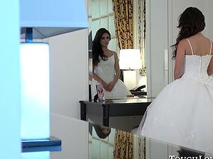 Jynx Maze cheats before her wedding