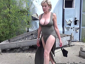 Lady Sonia strips in abandoned buildings