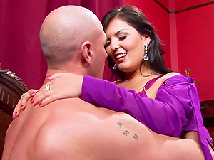Jasmine Black gets Johnny XL up to enjoy big d
