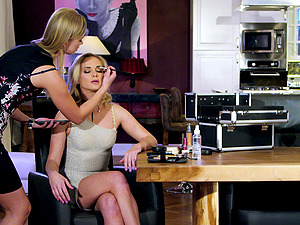 Blonde babes Violette Pure and Vinna Reed ass fucked by one lucky cock