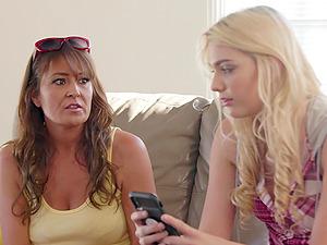 Blonde teen lesbian Elexis Monroe seduces mature Kenna James