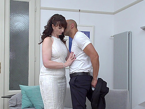 Mature brunette MILF Toni Lace gets her mouth stuffed with a big dick