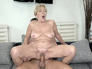 Mature freckled granny Malya pussy fucked from behind