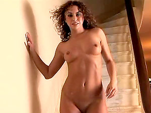 Sofia Deleon gets her puffies hard from sexcitement on the stairs