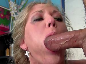 Alica Riley loves a good handjob