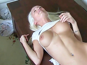 Amateur big tits blonde gets fucking with boyfriend in home video