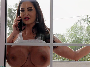 Huge natural boobs of Ava Addams bounce as she rides a cock