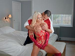 Incredible slut Nicolette Shea takes a hard pounding and a huge facial