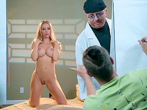 Blue eyed MILF bombshell Nicole Aniston sprayed with cum on face