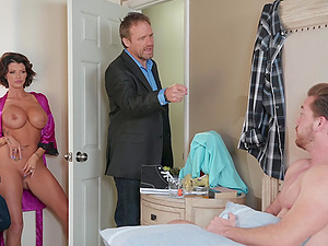 Curvy MILF Joslyn James gets cum on tits after a shower and a fuck