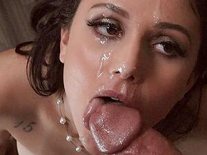 Latina MILF beauty Ariana Marie gets a huge facial after an anal fuck