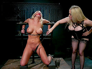 Aiden Starr ties up blonde MILF London River and abuses her hardcore