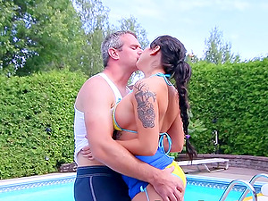 Pussy licking and hard sex by the pool are the best actions for Heidi Van Horny